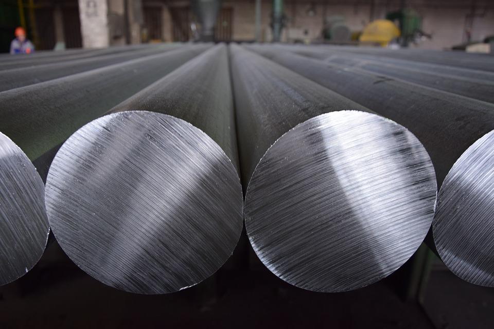 svojstvo privlačenja kiseonika omogućava aluminijumu da sam sebe štiti od korozije
