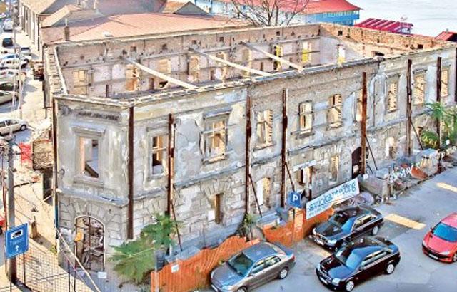 Španska kuća postaje kuća arhitekture