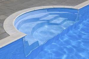 Pravougaoni bazen sa stepenicama tipa Marbella