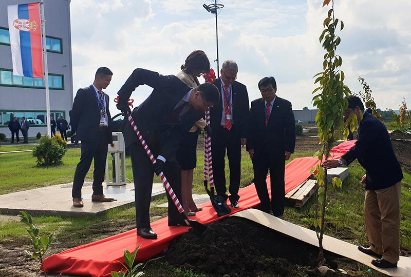 Nj.e. g. Đunićiju Marujami zasadio je mladicu japanske trešnje
