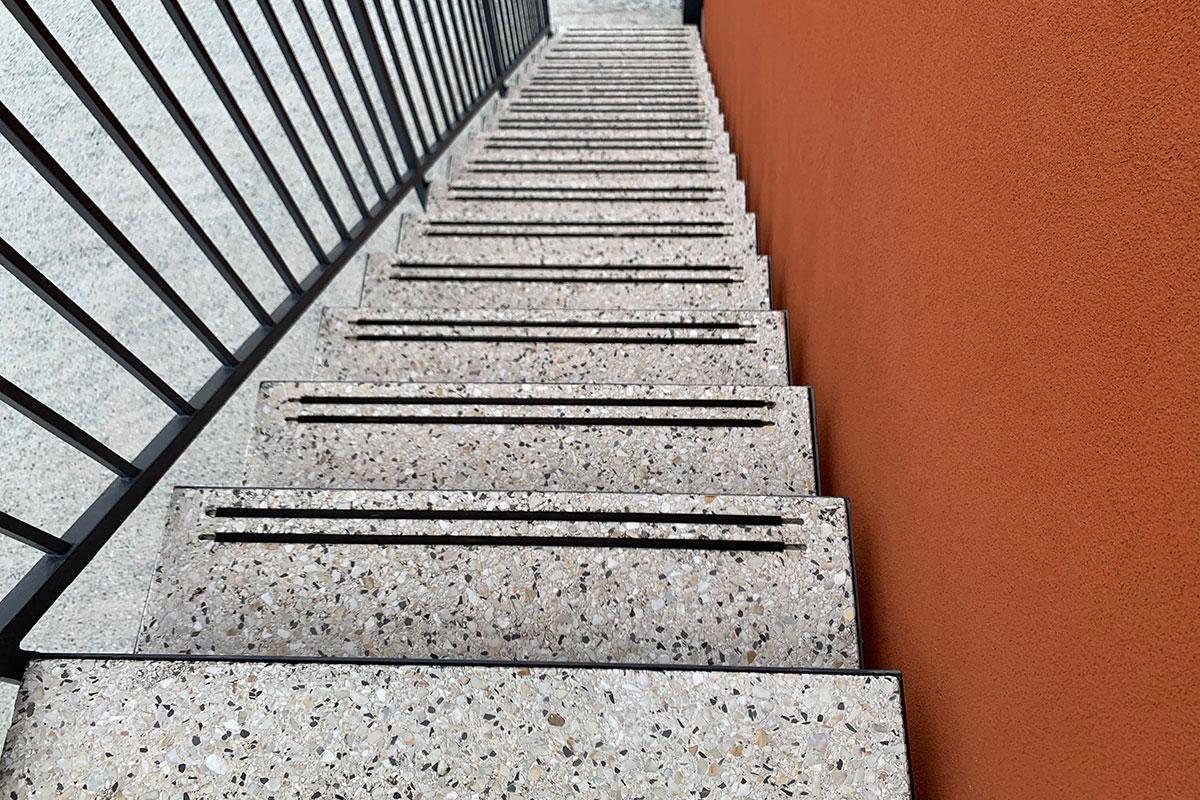 Teraco pod stepenište