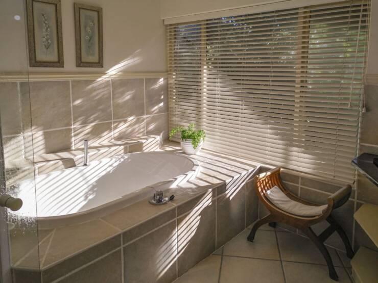 Prozor u kupatilu