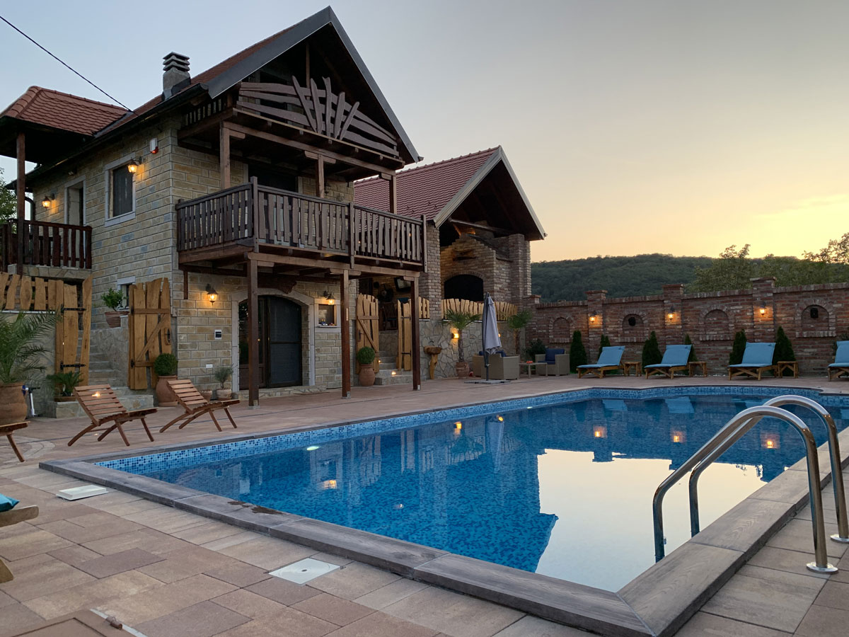 Vikendica Vila Anastasija dvorište, bazen
