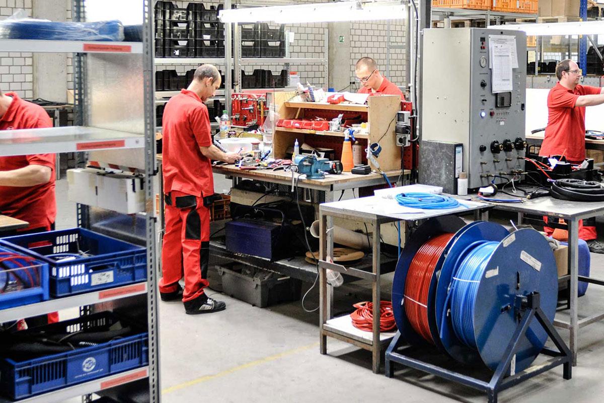 Proizvodni pogon u Nemačkoj – mesto gde se susreću iskustvo, najbolja rešenja iz prakse i tehnologija a nastaju proizvodi koji obezbeđuju uspeh.